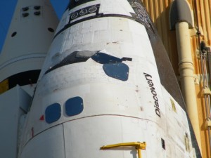Up close with space shuttle Discovery. Image: Nancy Atkinson